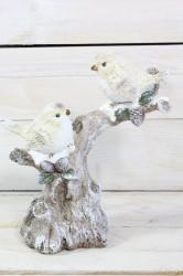 2 vtáčiky sediace na zasneženom konári (v. 21 cm)