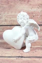 Anjelik opretý o srdiečko (v. 16 cm)