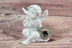 Anjelik so strieborným srdiečkom v ruke 4. (v. 8 cm)