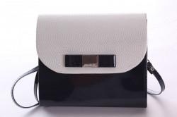 Dámska spoločenská kabelka lakovaná (18x16x5 cm) - tmavomodro-krémová