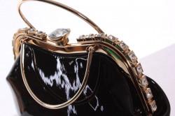 Dámska spoločenská kabelka ozdobená s kamienkami - čierna (25x25x9 cm) #1