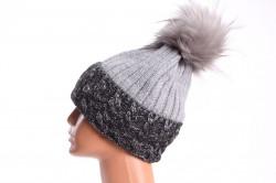 Dámska zateplená čiapka s farebným paspólom - čierno-sivá