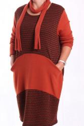 Dámske úpletové šaty s vreckami a so šálom - tehlové