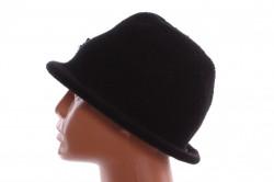Dámsky klobúčik s korálkami - čierny