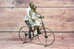 Dekorácia pár na bicykli (v. 26 cm)