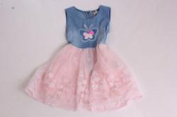 Dievčenské rifľové šaty s motýlikom a ružovou sukňou