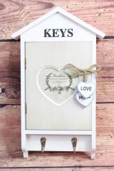 Drevená skriňka na kľúče