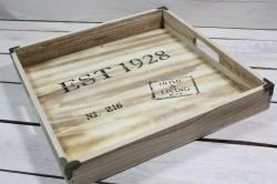 Drevená tácka Est 1928 (40x40 cm)