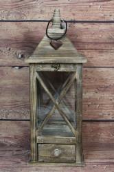Drevený lampáš so šuflíkom - hnedý (v. 48 cm)