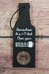Drevený otvárač na pivo