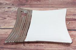 Keramická tácka bielo-strieborná so srdiečkom (20x20 cm)