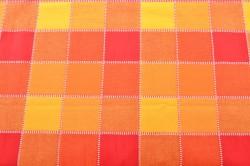 Obrus kockovaný (140x180 cm) - oranžovo-červený