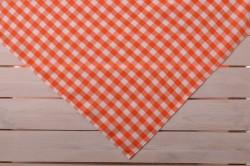 Obrus oranžový kocka 120x140 cm