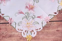 Obrus vyšívaný ĽALIE - ružovo-biely (85x85 cm) #1