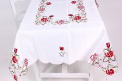 Obrus vyšívaný RUŽE (135x178 cm) - červeno-biely