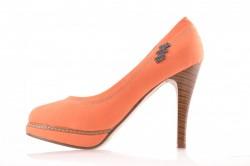 Oranžovo-hnedé lodičky s kamienkami