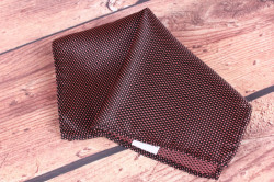 Pánska vreckovka do obleku (20x20 cm) vzorovaná - lososovo-čierna