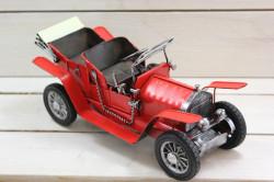 Plechové AUTO (maketa) - červené (27,5x11,5x12 cm)