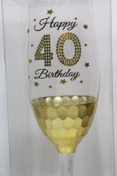 Sklenený pohár na šampanské