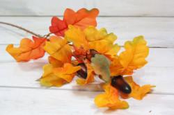 Umelá jesenná dekorácia - listy so žaluďmi 1. (v. 60 cm)