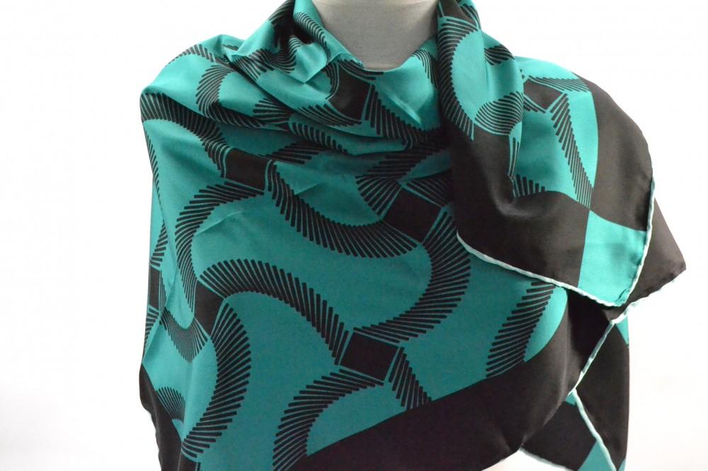 f386566f5 Dámska šatka - tyrkysovo-zelená (90x90 cm) - Dámske šatky - Locca.sk