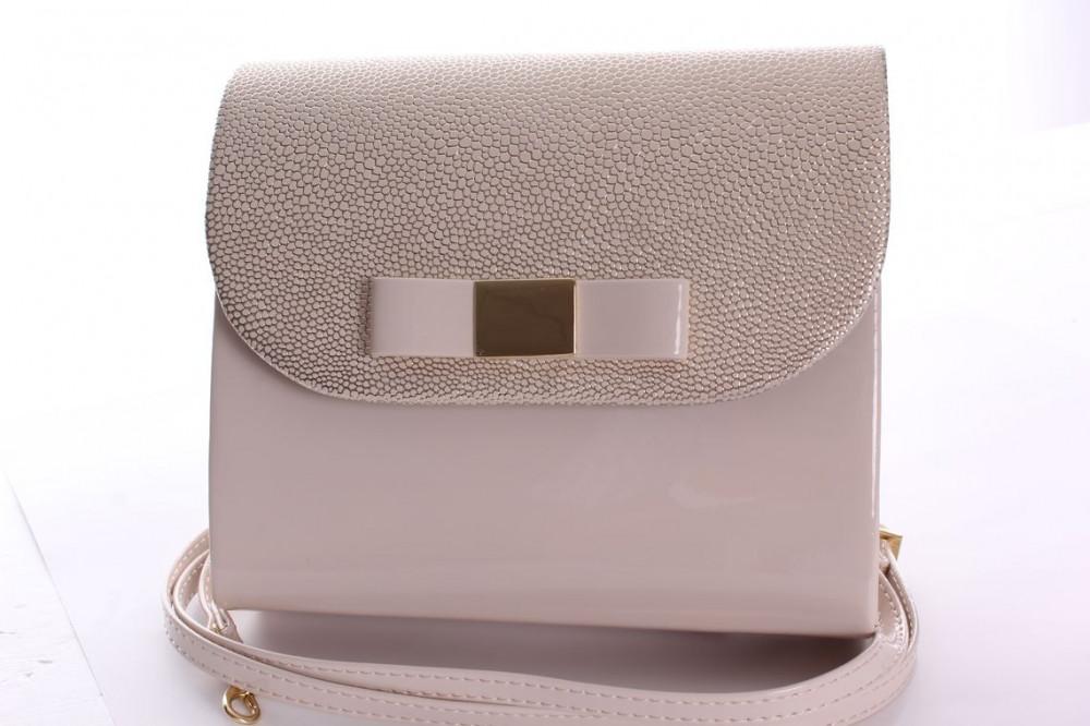 Dámska spoločenská kabelka lakovaná (18x16x5 cm) - zlato-béžová