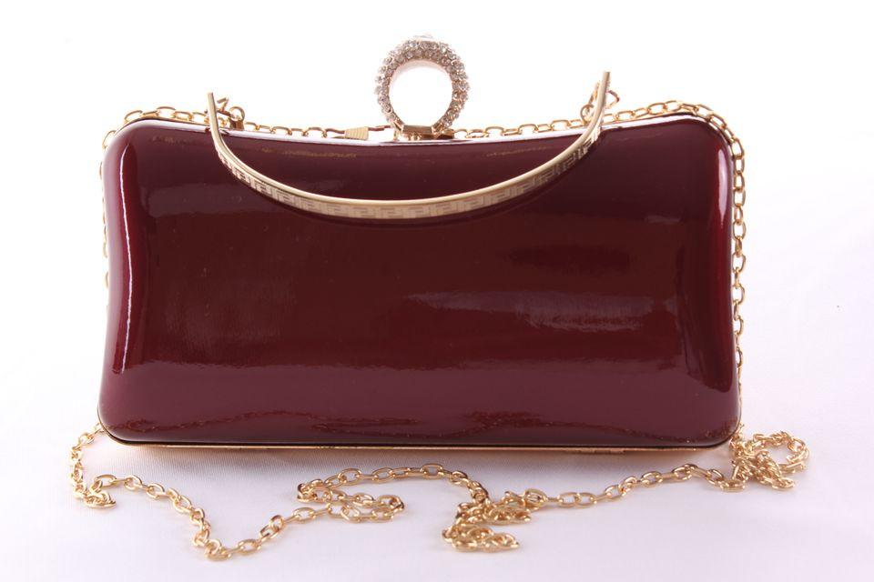 Dámska spoločenská kabelka lakovaná a ozdobená so štrasmi (ZL2042) - bordová (19x10x5 cm)