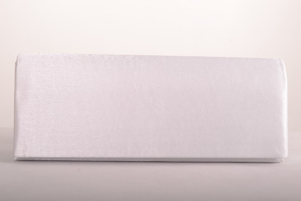 c5610ec083 Dámska spoločenská kabelka saténová - biela (27x10 cm) - Spoločenské ...
