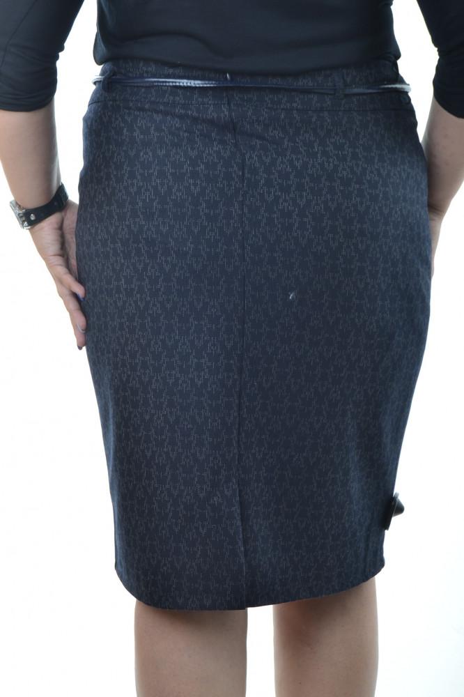 3ef87c6a5a19 Dámska sukňa vzorovaná - tmavomodrá D3 - Sukne pre moletky - Locca.sk