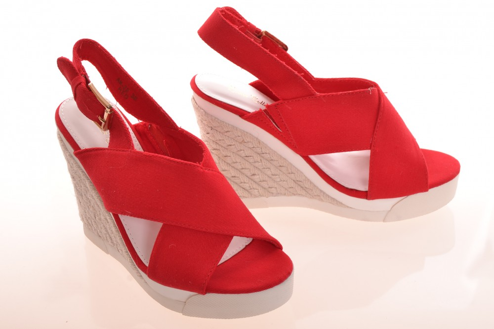 Dámske letné sandále na platforme - červené (AK-28) (v. platformy 11 ... 9392260d3f5