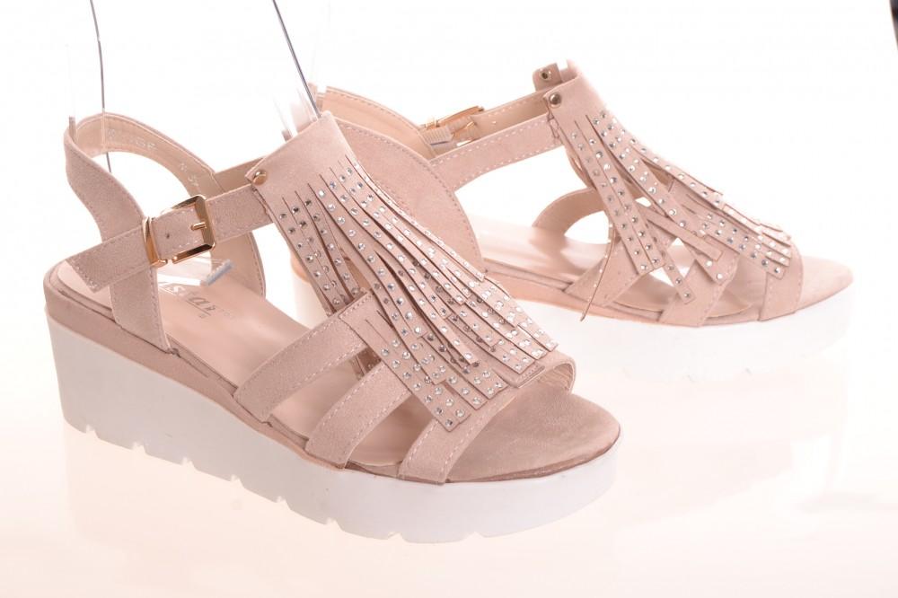 b4961506df7d Dámske semišové sandále s kamienkami a so strapcami - béžové (NC37) (v.