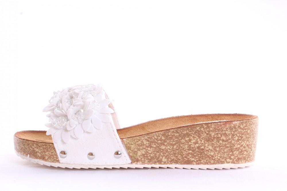 e5c491bf1479 Dámske šľapky s kvietkami (CK07) - biele (v. 4 cm) - Elegantné ...