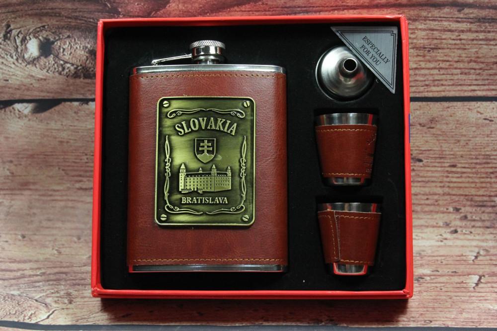 Fľaška SLOVAKIA+2 štampedlíky v darčekovej krabici - hnedá