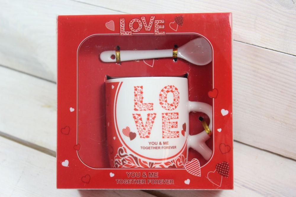 Hrnček s lyžičkou LOVE v darčekovej krabici 1.