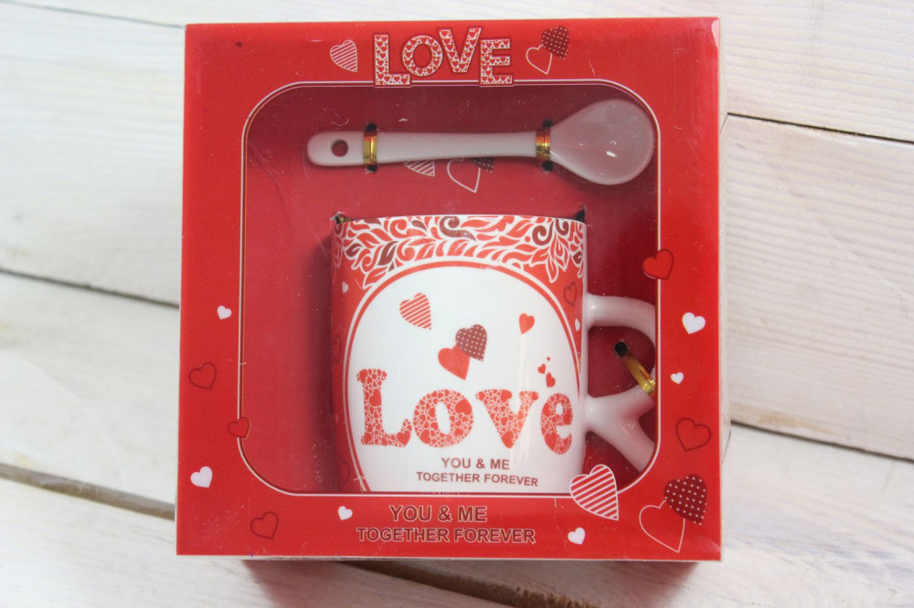 Hrnček s lyžičkou LOVE v darčekovej krabici 2.