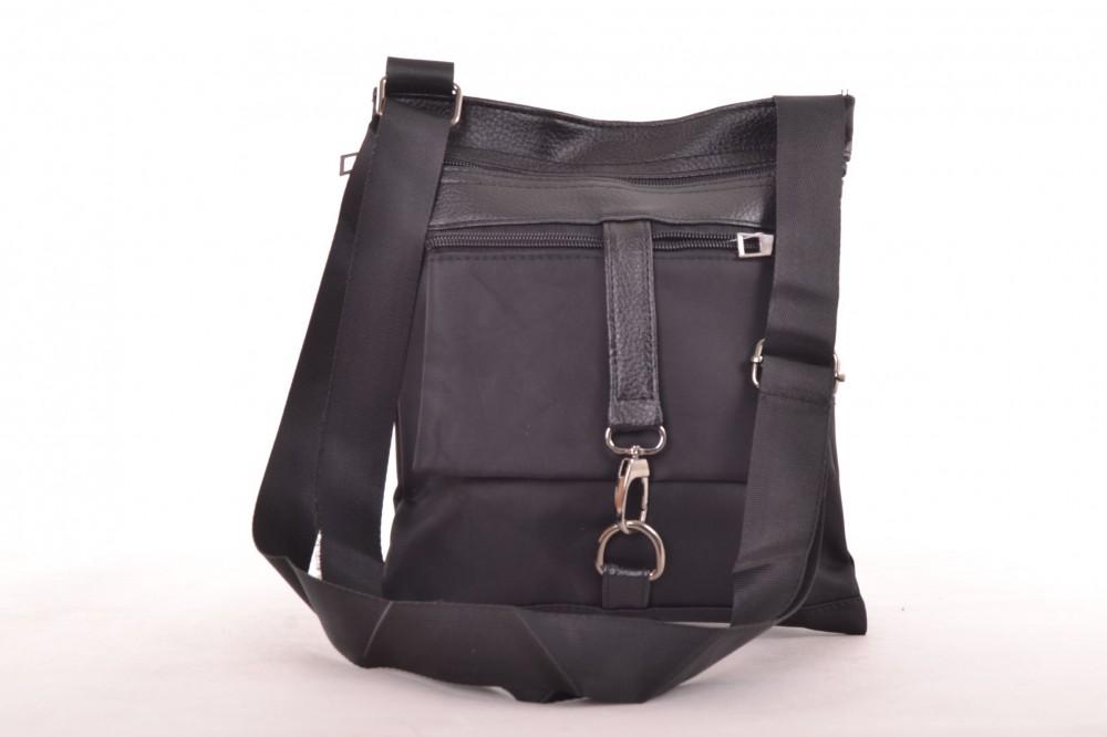 b65954d46d Pánska športová taška so zipsom a ozdobou - čierna (22x26 cm ...