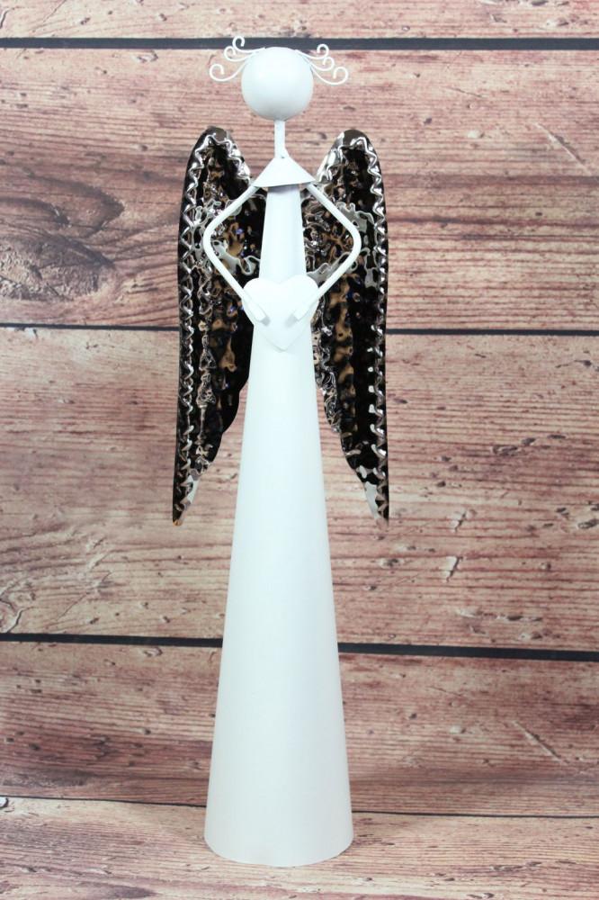 Plechový anjel so srdiečkom v ruke - strieborné krídla (v. 40,5 cm)