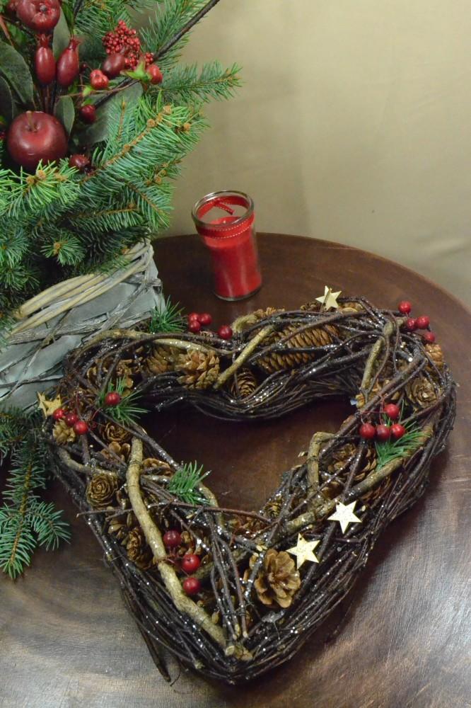 Prútené srdce - hnedé (v. 32 cm) - Vianočné ozdoby - Locca.sk bc6042583df