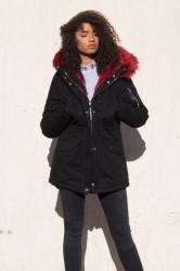 Dámska čierna zimná bunda s kožušinou Sixth June