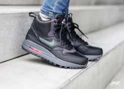 NIKE WMNS AIR MAX 1 MID SNEACKERBOOT REFLECTIVE BLACK BLACK
