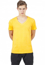 Pánske tričko URBAN CLASSICS Spray Dye V-Neck Tee yellow