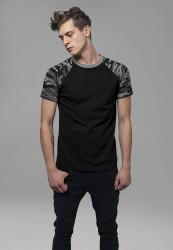 Pánske tričko URBAN CLASSICS RAGLAN CONTRAST TEE blk/darkcamo