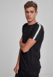 Pánske tričko URBAN CLASSICS Stripe Shoulder Raglan Tee blk/wht/woodcamo