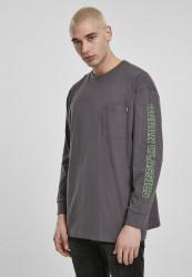 URBAN CLASSICS Pánske tričko s dlhým rukávomURBAN CLASSICS Neon Logo Boxy Pocket LS darkshadow