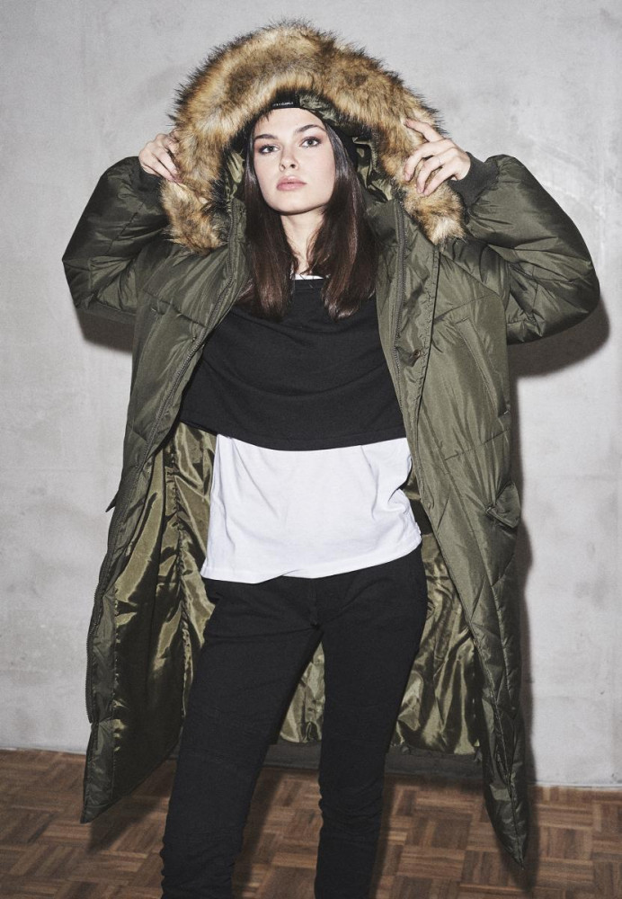 Dámska zimná bunda URBAN CLASSICS Ladies Oversize Faux Fur Puffer Coat darkolive/beige