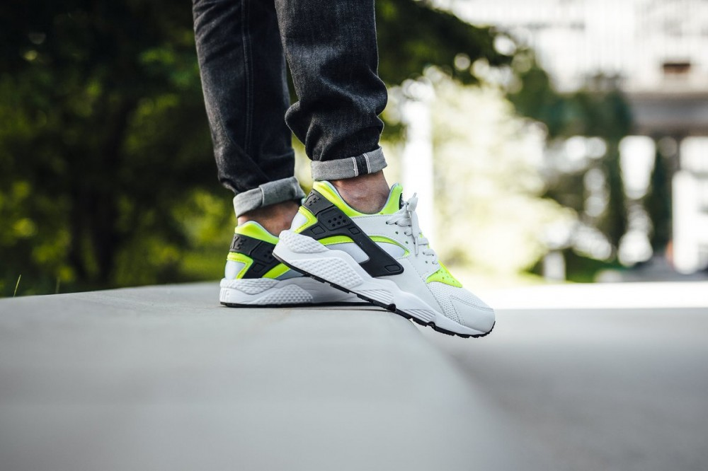 newest collection 01efe be981 Nike Air Huarache Shoe Off White Barely Volt Bluecap