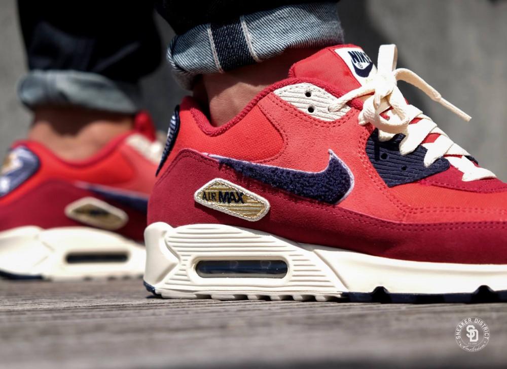 sports shoes 9c1bb a6038 ... official nike pánske tenisky air max 90 se premium university red 3  0ebb6 f8f30