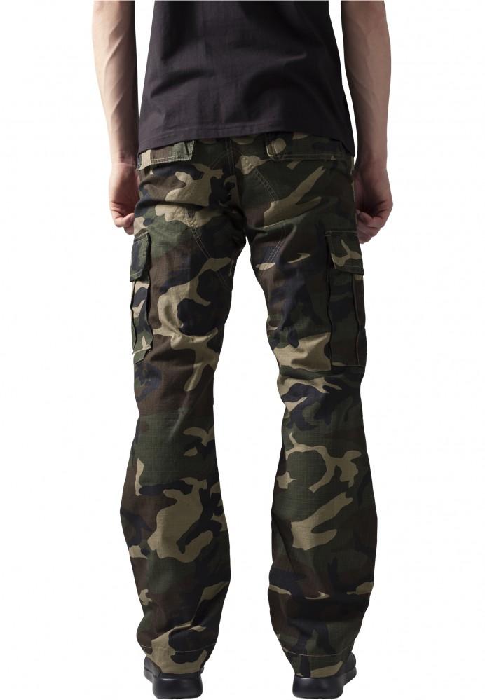 8b60242de4dd Pánske kapsáčové nohavice URBAN CLASSICS Camouflage Cargo Pants wood camo  2