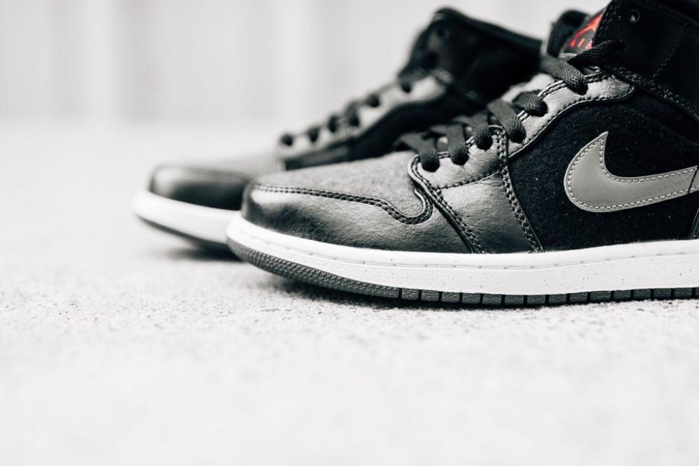 c47183b3c895 Pánske tenisky Air Jordan 1 MID Winterized Black Gym Red Dark Grey ...
