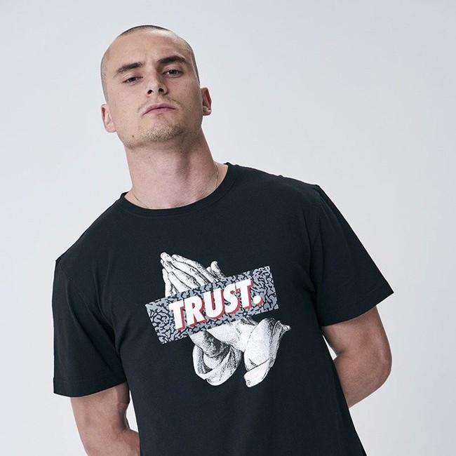 Pánske tričko Cayler & Sons WHITE LABEL t-shirt Jay Trust Tee black / grey Size: XL